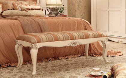 床尾凳的作用:几点告诉你不只是装饰那么简单?