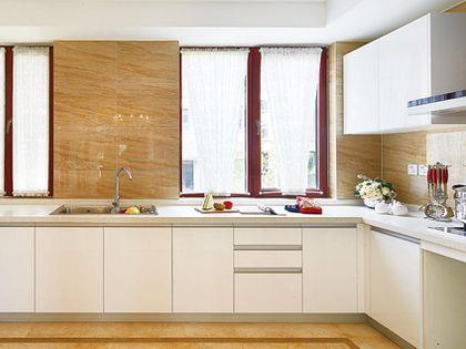 瓷砖橱柜制作过程 考虑全面使用更方便
