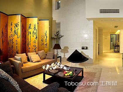 电视背景墙与家具摆放的位置