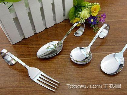 避免不锈钢餐具的危害,从选购和使用方式上入手