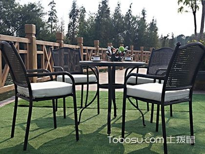 别墅庭院桌椅 给生活增添更多风景