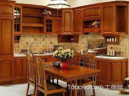 整体厨房多少钱一米?实木材质展现古典奢华!