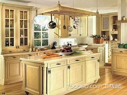 橱柜实木门板如何保养?这些小技巧让家具寿命更长!