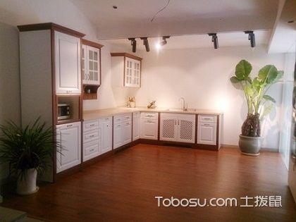 实木橱柜配什么瓷砖好?打造靓丽厨房大有诀窍