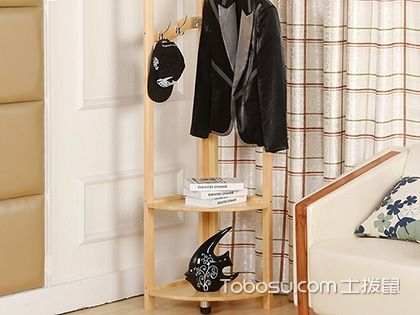 臥室掛衣架用什么好?不同款式有不同適用性