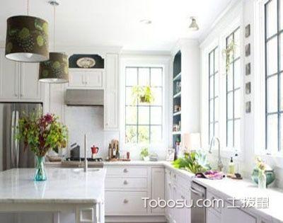 厨房的采光和照明,主次分明冷暖相宜为好