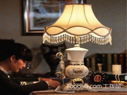 什么是電話臺燈?特點功能大介紹