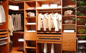 入墙式衣柜特点,入墙式衣柜选购注意事项,入墙式衣柜多少钱,图片