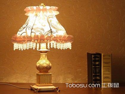 床头灯安装位置图,教你布置更温馨舒适的卧室!