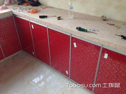 厨房使用大理石橱柜好还是整体橱柜好
