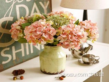 客厅放假花好吗?客厅摆放假花的风水知识介绍