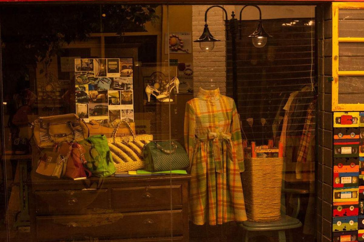 小间服装店装修复古,如何装饰打扮好复古型服装店