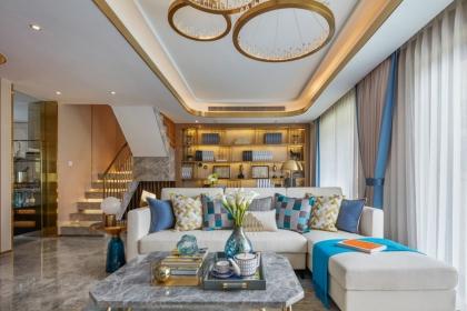 客廳窗簾裝修效果圖,學會窗簾搭配讓家居裝飾更出色