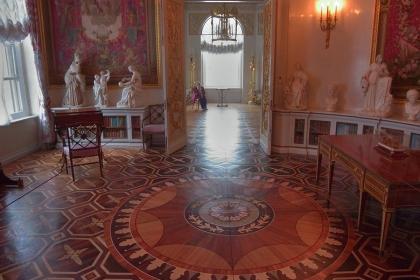 拼花地板的优缺点是什么?拼花地板安装注意事项有哪些?