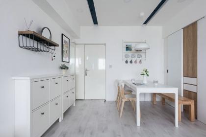 新款60平二室一厅装修图,创意收纳的纯净空间