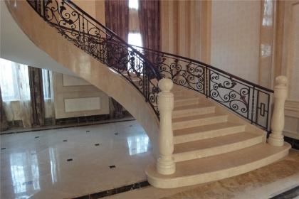 别墅楼梯风水,什么样的楼梯才能旺财
