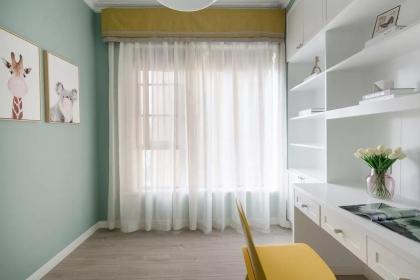 90平米三居室装修,打造清新薄荷的居室设计