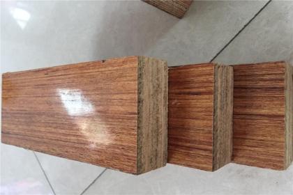 硬木复合地板安装,可以分为三个步骤