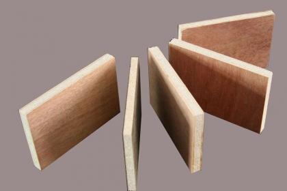 模压板和颗粒板哪个好?模压板和颗粒板优缺点对比