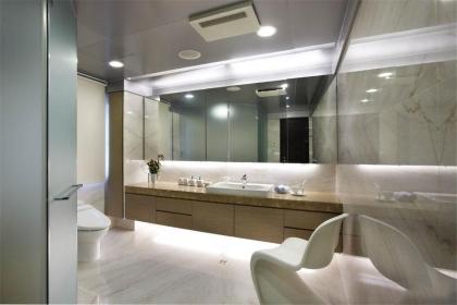 浴室柜安装注意事项,打造称心如意的生活空间