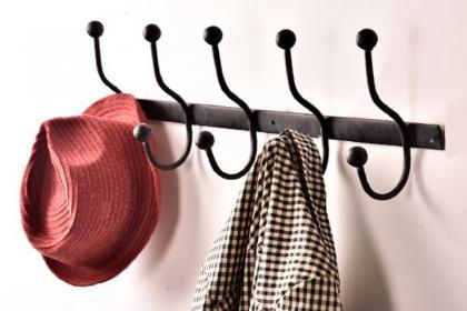 掛衣鉤如何安裝?簡單三步輕松解決掛衣問題