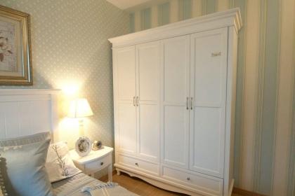 白色衣柜好不好,白色衣柜如何清洁保养