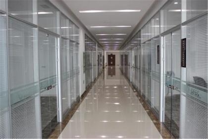玻璃隔墙特点,玻璃隔墙如何选购