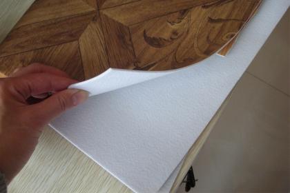 地板革怎么铺?地板革铺设方法大揭秘