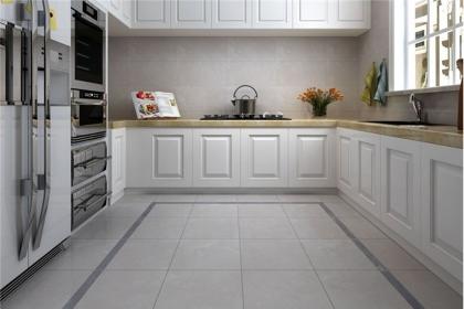 厨房瓷砖清洁需注意,别与保养相混淆