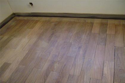 旧地板翻新做法,旧地板翻新注意事项