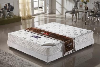 弹簧床垫有哪些选购技巧,弹簧床垫如何清洁保养