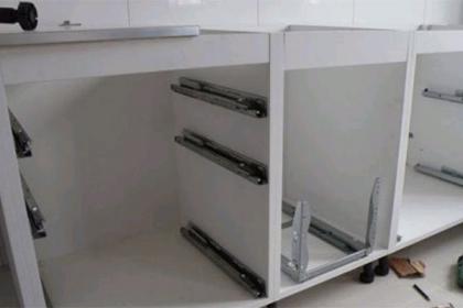 櫥柜門怎么安裝?櫥柜門板握釘力需注意