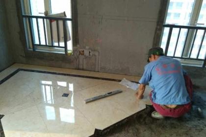 瓷砖怎么贴才正确,贴瓷砖时要注意什么