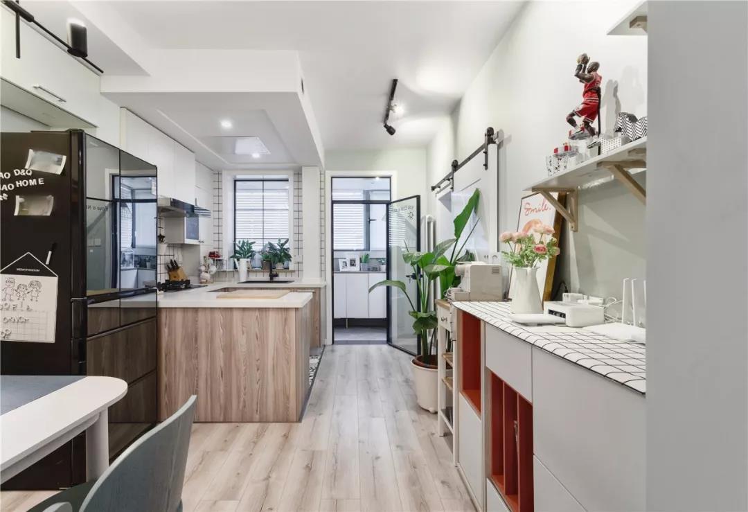 70㎡小屋大改造,3㎡小衛生間干濕分離,還有超大廚房!