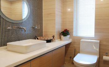 卫生间白色背景墙现代简约风格装饰图片