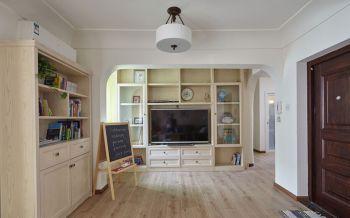 客厅白色走廊美式风格装潢设计图片