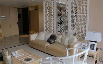 客廳白色屏風隔斷裝飾設計圖片