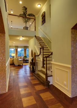 玄关黄色楼梯美式风格装潢图片
