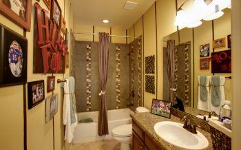 卫生间黄色洗漱台美式风格装饰设计图片