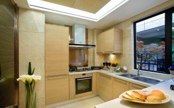 厨房黄色背景墙现代简约风格装潢设计图片