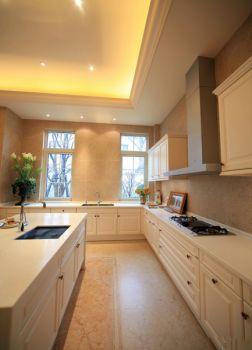厨房白色背景墙欧式风格装修设计图片