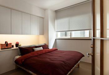 卧室白色床头柜现代简约风格装修设计图片