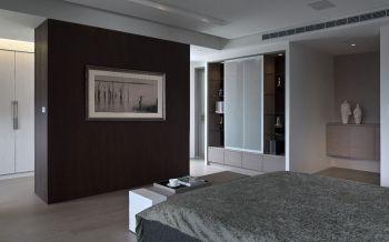 卧室咖啡色隔断现代简约风格装修图片