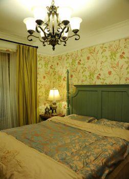卧室黄色背景墙田园风格装修图片
