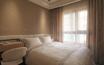 卧室咖啡色背景墙现代简约风格装饰设计图片