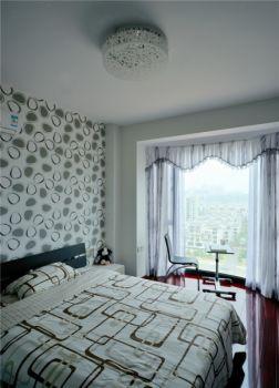 赏心悦目白色卧室装饰图片