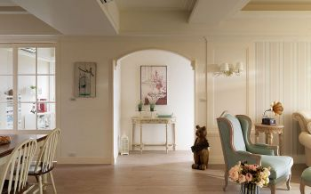 客厅黄色隔断美式风格装潢设计图片