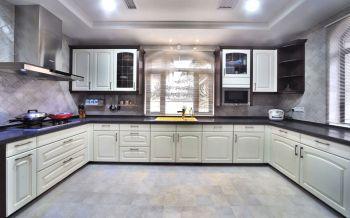 厨房白色橱柜现代欧式风格装修设计图片