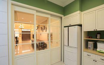 厨房白色推拉门美式风格装修图片