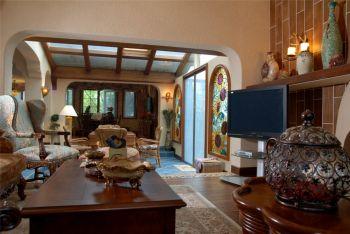 客厅咖啡色茶几东南亚风格装潢设计图片